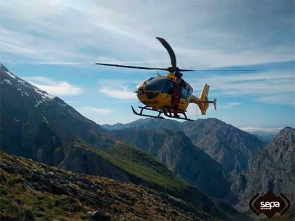 L'helicóptero medicalizáu. / SEPA