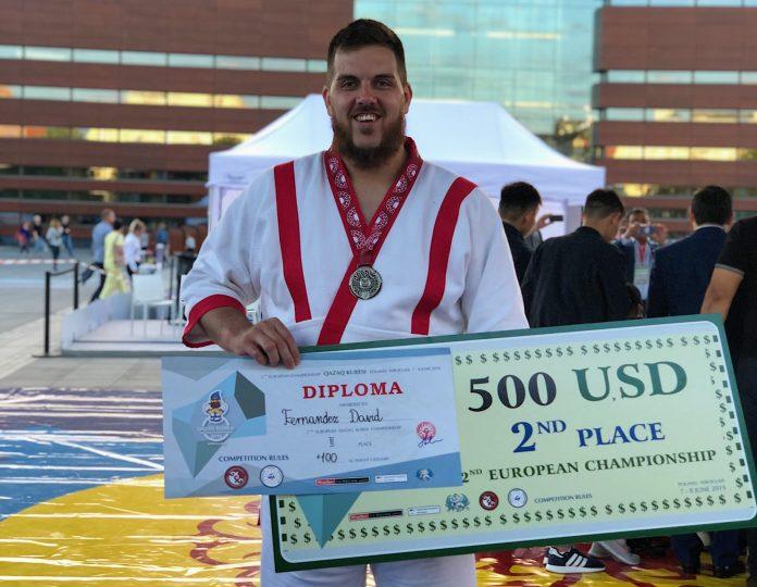 El llangreanu David Fernández proclamóse esti fin de selmana en Varsovia subcampeón d'Europa de Qazaq Kuresi