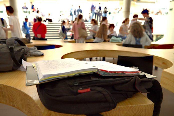 4.125 estudiantes examínense de la EBAU n'Asturies