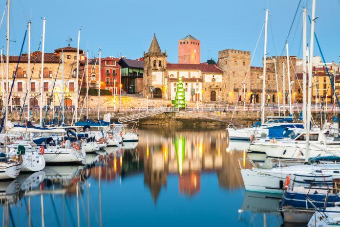 Nueves empreses xúnense al 'Compromisu de Calidá Turística'