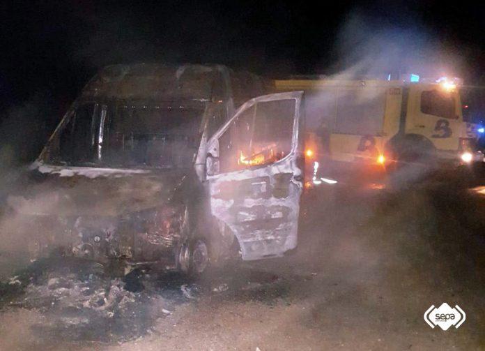 Quemen dos coches en delles quemes n'Avilés y Mieres