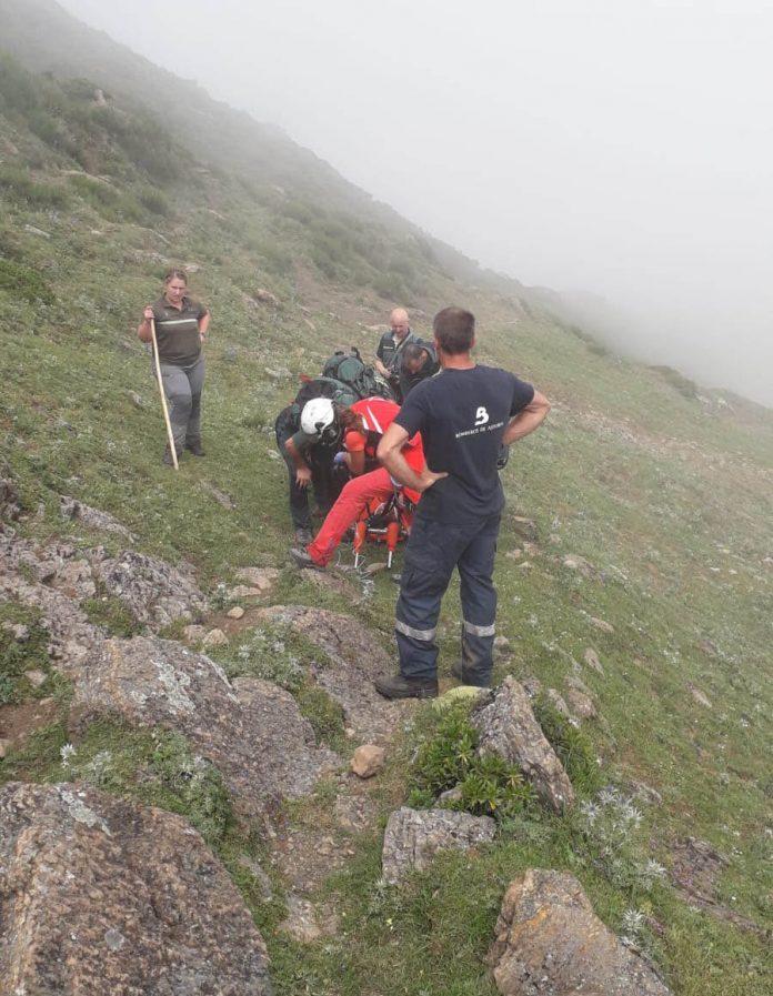 Rescaten a un home que cayó por un desnivel de 400 metros en Somiedu