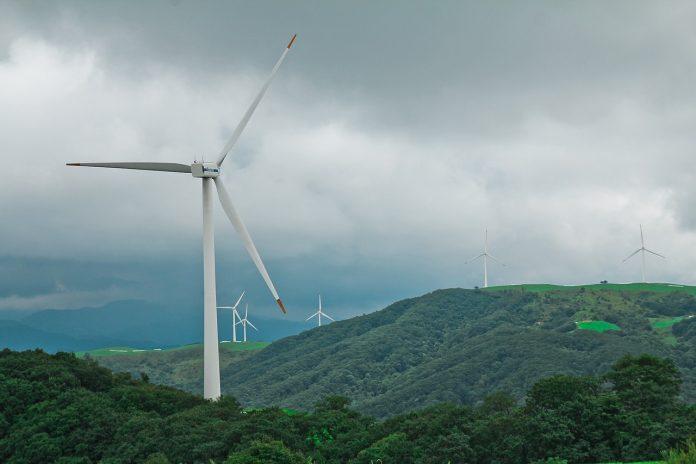 Dos empreses soliciten la instalación de nueve parques eólicos n'ocho conceyos