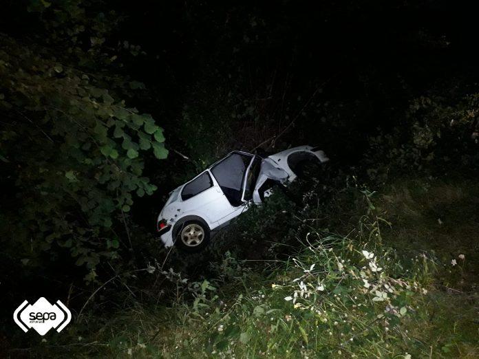 Un mancáu nun accidente de tráficu en Ribedeva